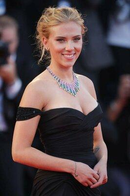Sexy-Scarlett-Johansson-Pictures.jpg